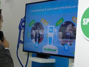 Animateur, Présentateur Mondial de l'Automobile Hall 3 Stand Bioéthanol dernière semaine!